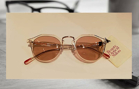 satowaクリアフレームのサングラス
