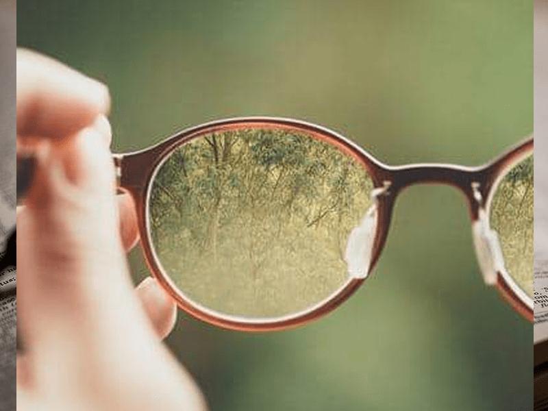 satowaメガネのレンズの相場とは?