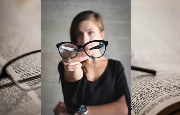 一瞬で気持ちが変わるメガネ選び