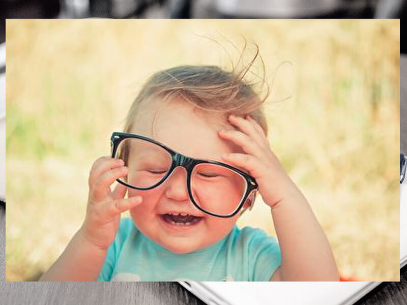 メガネがずれる
